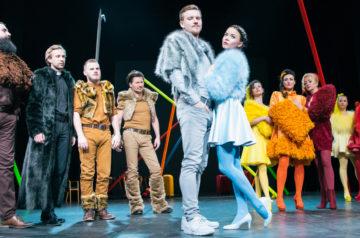 Teatr Miejski w Gliwicach_Damy i Huzary_ fot_Bożena Nitka_www