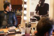 Aktor Maciej Piasny - odbicie w lustrze.